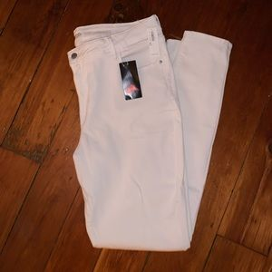 NWT White Old Navy Rockstar Skinny Jeans Size 16